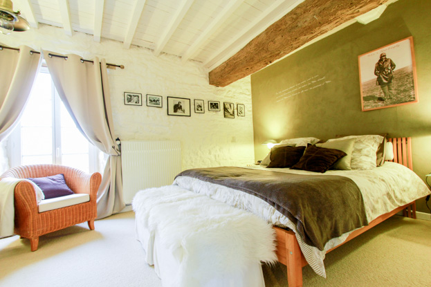 Commandant Antoine de Saint Exupery Luxury Guest Room in Normandy, near the World War 2 Landing Beaches - Spirit of 1944
